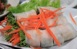 Fresh Thai veggie springrolls, courtesy www.smilingalbino.com