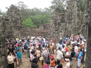 Avoid Bayon at mid-morning or afternoon