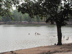 Kids swimming in the Srah Srang