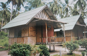Charlies Huts Chaweng Beach, Samui in the 1990s on Talk Travel Asia Podcast