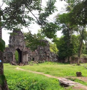 Preah Khan Kompong Svay courtesy of សុខុម អឹុម